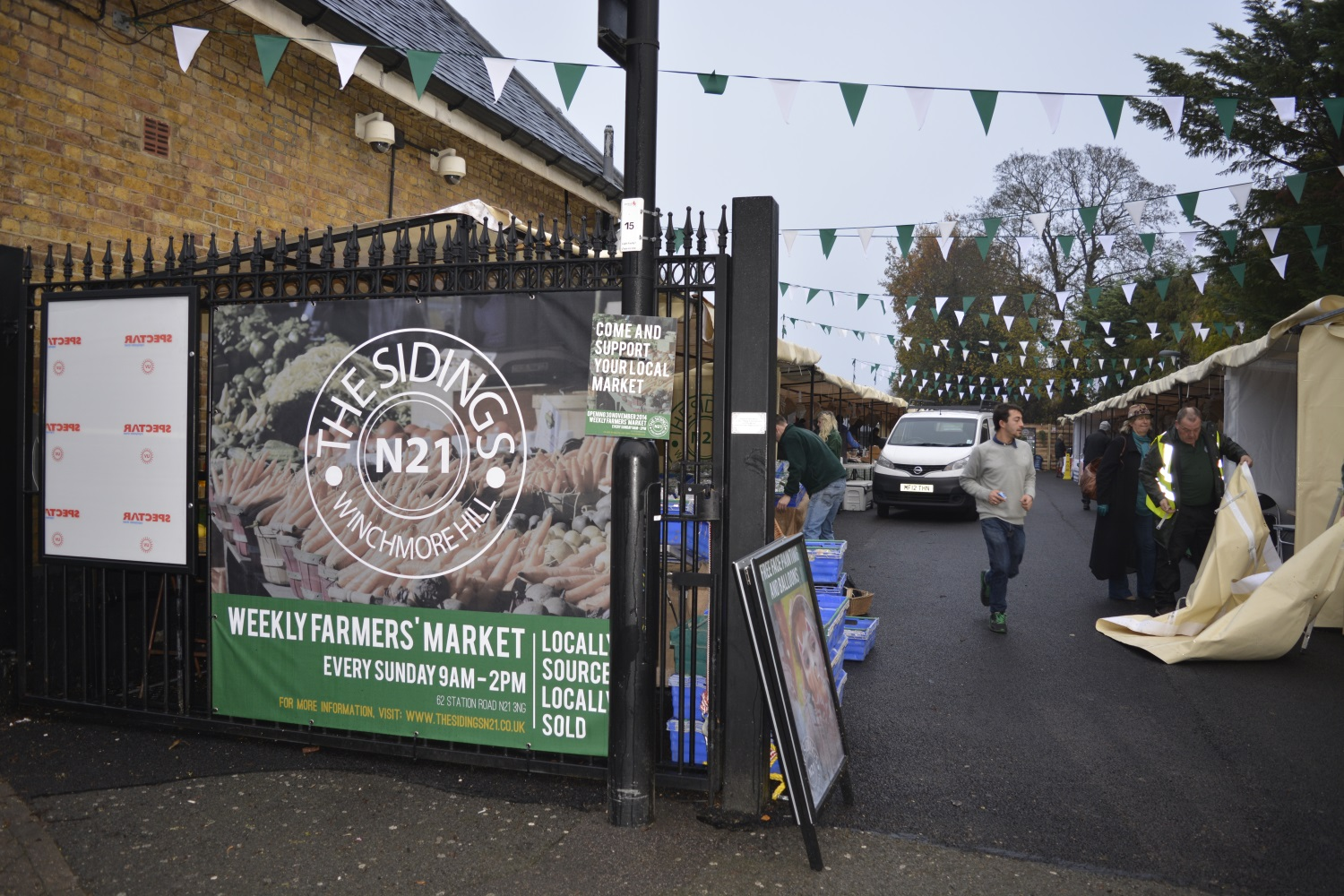 Entrance to The Sidings N21 just before the grand opening