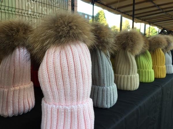 pom-pom-hats