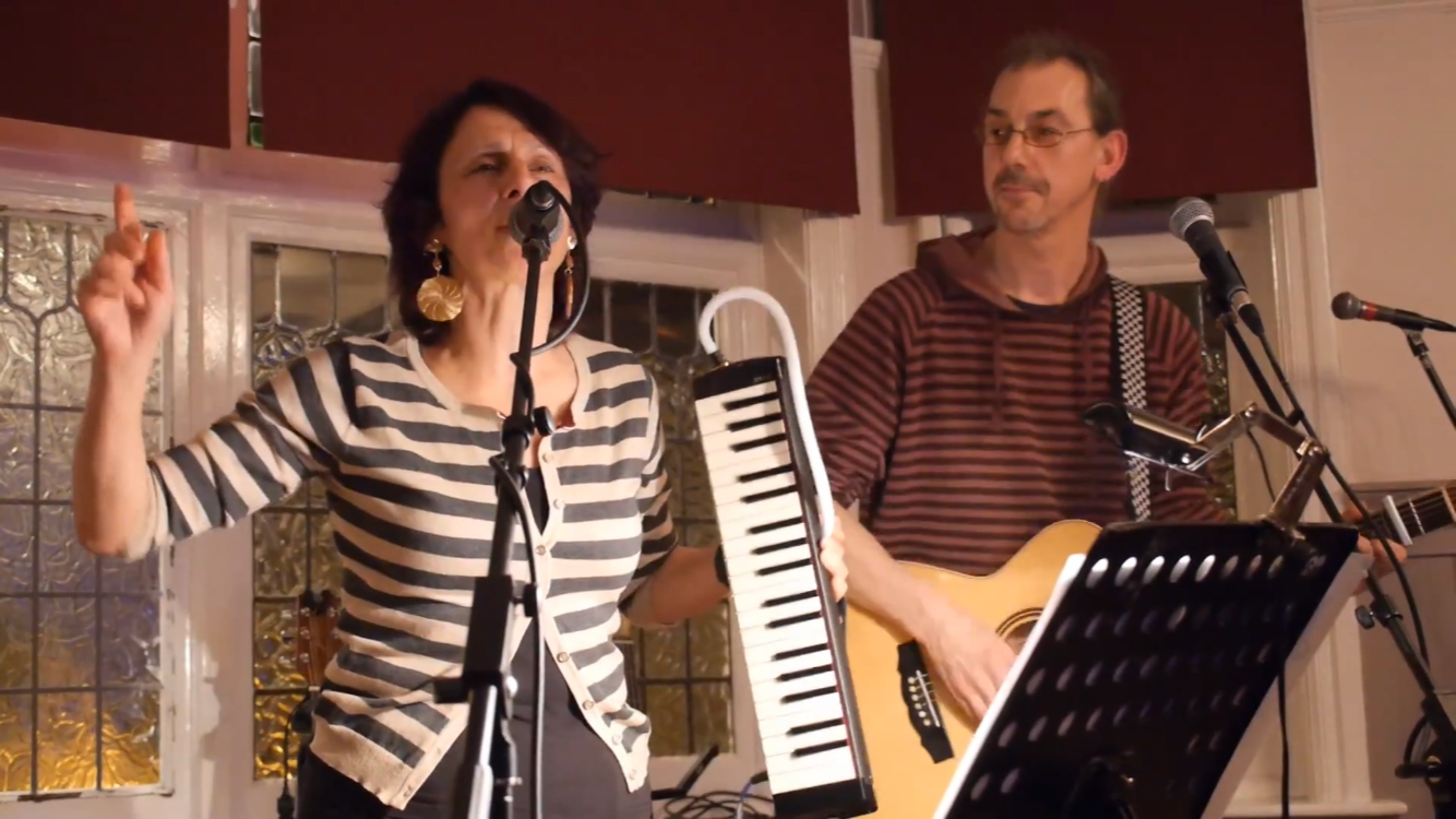 That Blue Patch, Ruth and Dave Play Live at The Sidings N21